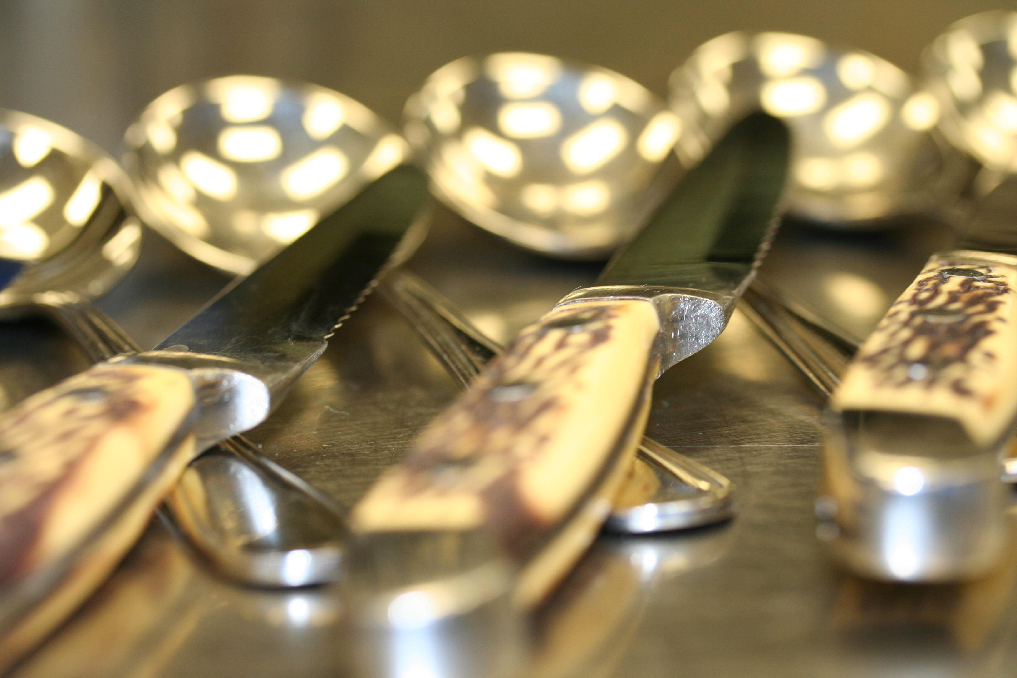 SETTING THE HOLIDAY TABLE - A New Role for Restaurants